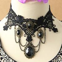 Gothic Halskette, Spitze, mit Messingkette & Harz & Zinklegierung, mit Verlängerungskettchen von 2.5Inch, plattiert, facettierte, schwarz, frei von Nickel, Blei & Kadmium, 65mm, verkauft per ca. 12 ZollInch Strang