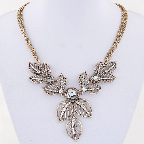 Buy Zinc Alloy Jewelry Necklace Rhinestone Leaf antique gold color plated oval chain lead & cadmium free 400mm Sold Per Approx 15.75 Inch Strand