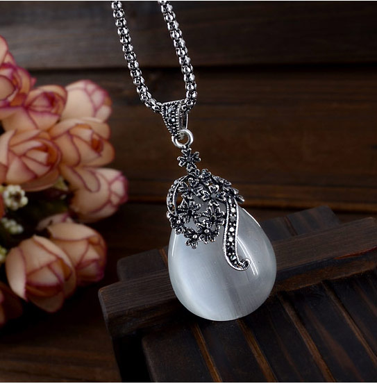 Buy Cats Eye Necklace Zinc Alloy Cats Eye Teardrop antique silver color plated rhinestone lead & cadmium free 400x48x21mm Sold Per Approx 15.75 Inch Strand