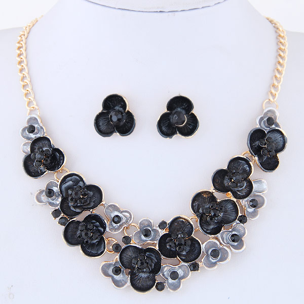 Zinc Alloy Jewelry Necklace Rhinestone Flower gold color plated enamel black lead & cadmium free 400mm Sold Per Approx 15.75 Inch Strand