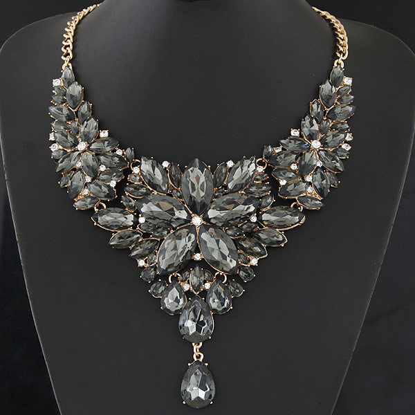 Buy Fashion Statement Necklace Zinc Alloy Resin gold color plated grey lead & cadmium free 400mm Sold Per Approx 15.75 Inch Strand