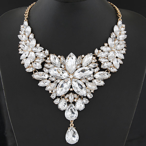 Buy Fashion Statement Necklace Zinc Alloy Resin Flower gold color plated clear lead & cadmium free 400mm Sold Per Approx 15.75 Inch Strand