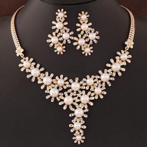 Zinklegierung Schmucksets, Ohrring & Halskette, mit ABS-Kunststoff-Perlen, Blume, goldfarben plattiert, weiß, frei von Blei & Kadmium, 400x100x65mm, 47x27mm, Länge:ca. 15.75 ZollInch, verkauft von setzen