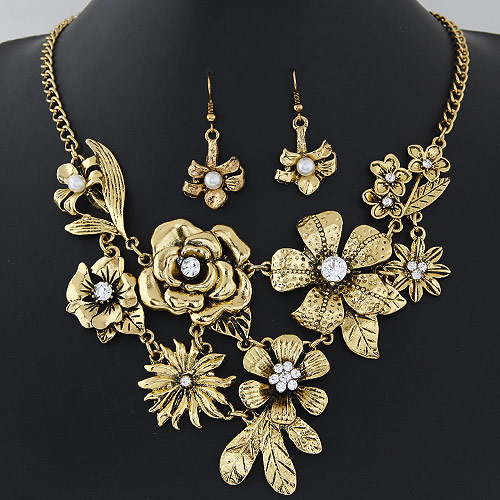 Buy Zinc Alloy Jewelry Sets earring & necklace Flower antique bronze color plated rhinestone lead & cadmium free 400x120x90mm 42x18mm Length:Approx 15.75 Inch Sold Set