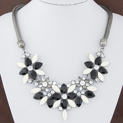 Buy Fashion Statement Necklace Zinc Alloy Resin Flower plumbum black color plated rhinestone lead & cadmium free 400mm Sold Per Approx 15.75 Inch Strand