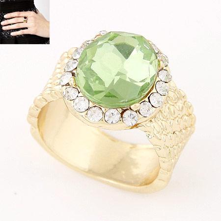 Kristall Fingerring, Zinklegierung, mit Kristall, flache Runde, goldfarben plattiert, grün, frei von Blei & Kadmium, 14mm, Größe:6-9, verkauft von PC
