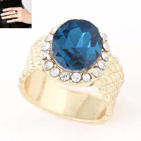 Kristall Fingerring, Zinklegierung, mit Kristall, flachoval, goldfarben plattiert, blau, frei von Blei & Kadmium, 14mm, Größe:6-9, verkauft von PC