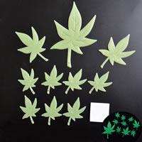 Kunststoff Leuchtende Aufkleber, Ahornblatt, Klebstoff & glänzend, 45-100mm, 10PCs/Tasche, verkauft von Tasche