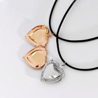 Messing Medaillon-Halskette, mit PU Leder, mit Verlängerungskettchen von 1.9Inch, Herz, plattiert, für Frau & mit Strass, keine, frei von Nickel, Blei & Kadmium, 21x21mm, verkauft per ca. 13.7 ZollInch Strang