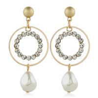 Zinklegierung Ohrringe, mit ABS-Kunststoff-Perlen, goldfarben plattiert, für Frau & mit Strass, frei von Nickel, Blei & Kadmium, 28x60mm, verkauft von Paar