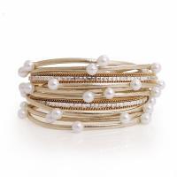 Wrap Armband , PU Leder, mit Magnet & Pearl Shell & Strass, rund, plattiert, mehrschichtig & mit Nietstollen & für Frau, keine, verkauft per ca. 15 ZollInch Strang