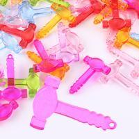Acryl Anhänger, Hammer, Spritzgießen, gemischte Farben, 51x7x31mm, Bohrung:ca. 1mm, ca. 125PCs/Tasche, verkauft von Tasche