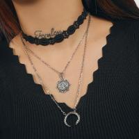 Mode-Multi-Layer-Halskette, Zinklegierung, plattiert, mehrschichtig & für Frau, Silberfarbe, frei von Nickel, Blei & Kadmium, verkauft von Strang