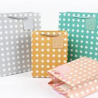 Mode Geschenkbeutel, Papier, Rechteck, Kunstdruck, mit einem Muster von Stern & verschiedene Größen vorhanden, gemischte Farben, 50PCs/Menge, verkauft von Menge