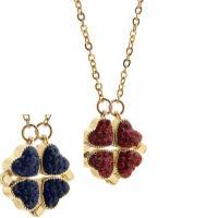 Pullover Kette Halskette, Messing, mit Titanstahl, vierblättriges Kleeblatt, goldfarben plattiert, mit Magnet & mit Strass, gemischte Farben, verkauft per ca. 31.88 ZollInch Strang